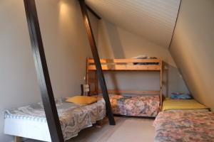 Ullakkohuoneisto makuuhuone